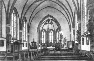 1921. Binnenkant kerk Melderslo